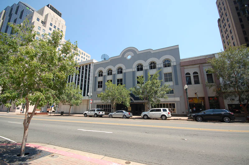 One Texas Center 8.2012 003